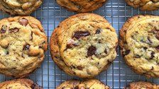 The Ultimate Chewy Chocolate Chip Cookie Recipe