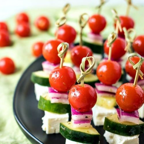 SIMPLE GREEK SALAD SKEWERS
