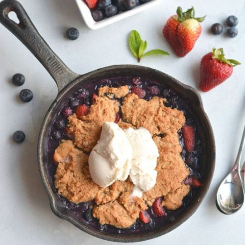 Low Sugar Berry Cobbler