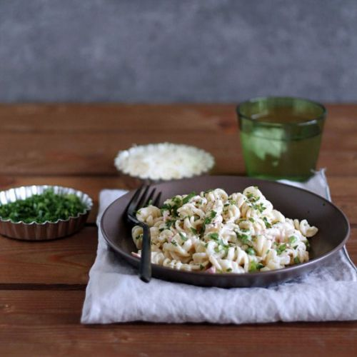 Creamy pea and ham pasta