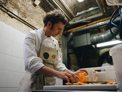 In a High-Class Paris Neighborhood, a Star Chef Feeds the Homeless