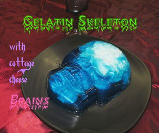 Gelatin Skeleton With Brains for Your Halloween Party
