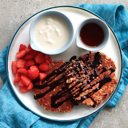 STRAWBERRY OATMEAL PANCAKES