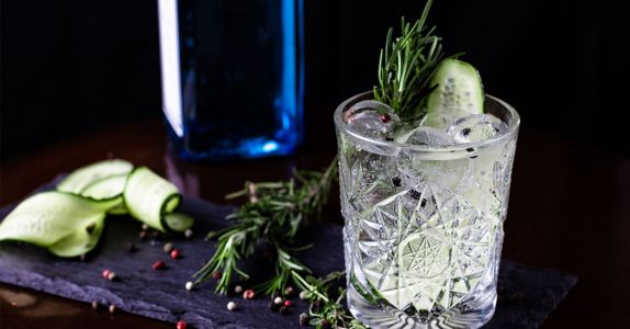 5 Easy Garnishes to Elevate Your At-Home Cocktails