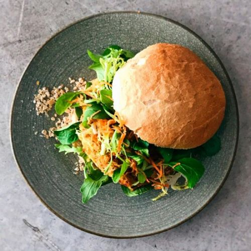 Easy-to-make chickpea burger