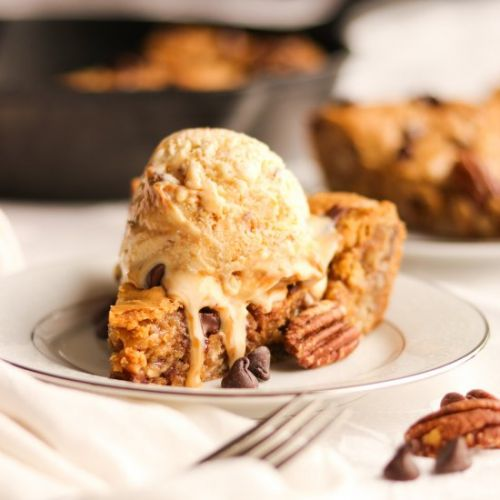 Brown Butter Pecan Oatmeal Pizookie