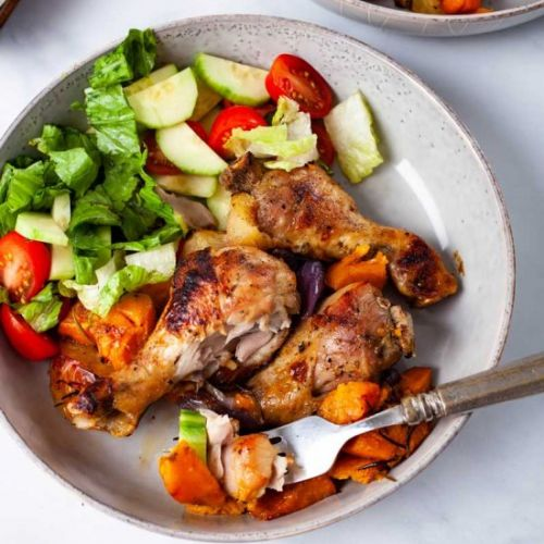 One-pan chicken drumsticks meal