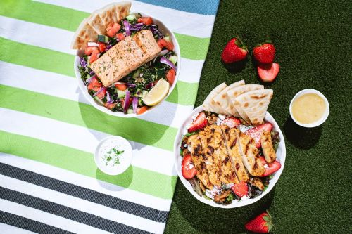 Daphne's Launches Two New Seasonal Salads Available For a Limited Time
