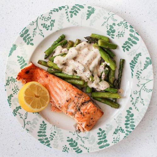 OVEN-BAKED SALMON WITH ASPARAGUS