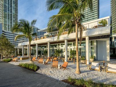 The Miami Restaurant We All Want to Be at Right This Very Second