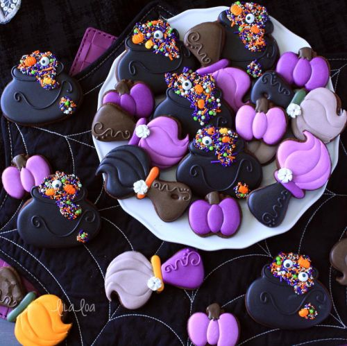 How To Make Decorated Witch's Broom Halloween Sugar Cookies