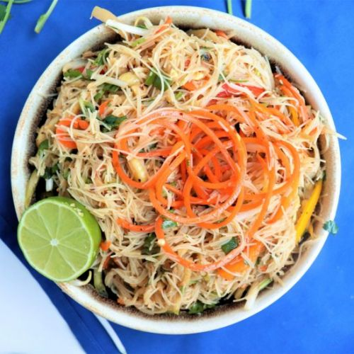 Thai Rice Noodle Salad with Chick'n