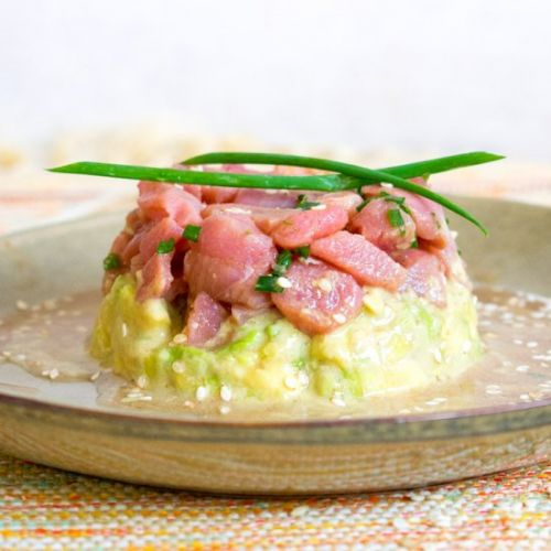 Easy tuna tartar with avocado