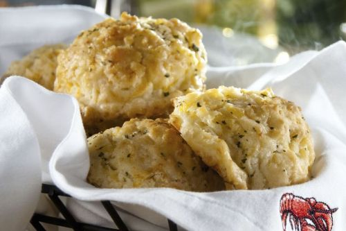 "Red Lobster Launches ""Big Cheese"" Biscuit Sweepstakes to Celebrate National Biscuit Day"