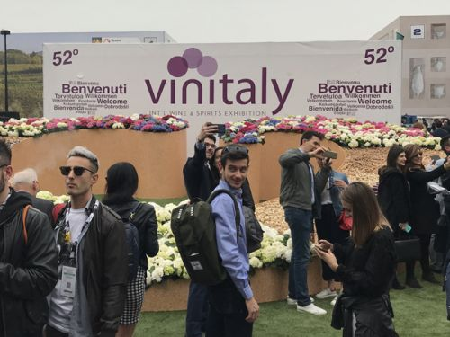 Apply for sponsored trip to Vinitaly. 30+ spots available. Food professionals encouraged to apply