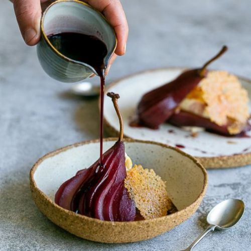 Spice poached pears with mascarpone