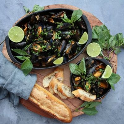 Thai Red Curry Mussels - Food - Food Drink Buzz