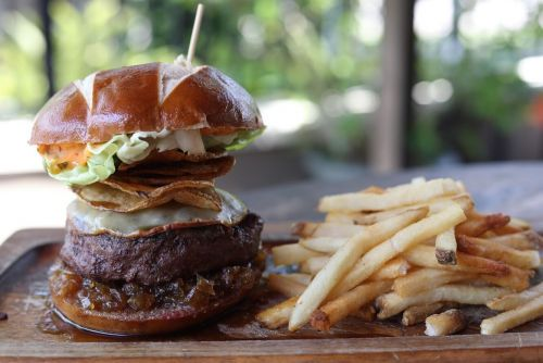 """Teak Neighborhood Grill Chosen By The Travel Channel """"As World-Class Burger"""" For Florida In """"50 States Of Burgers"""""""