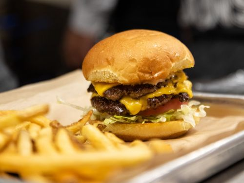 MOOYAH Burgers, Fries & Shakes Opening Second Sacramento Area Location in Strawberry Creek; Adding 20+ Jobs to the Market