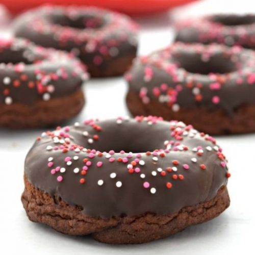 Baked Chocolate Cake Donuts