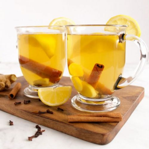 Easy 7 Ingredient hot toddy