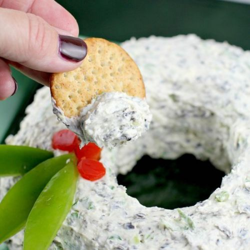 Scallion Olive Party Cheese Wreath