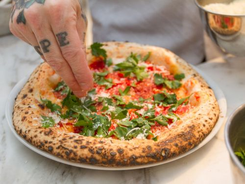 What the Critics Are Saying About Una Pizza Napoletana