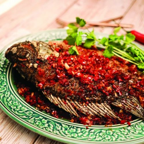 Crispy fish with chili sauce