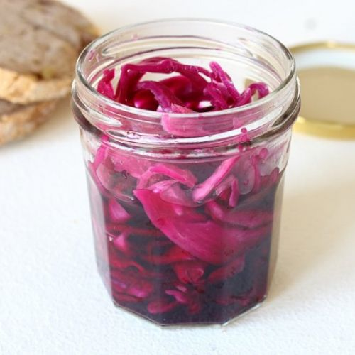 Red cabbage pickles