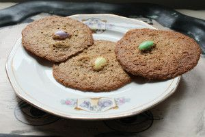 Cute Spring Cookie Recipe: Lacy Jordan Almond Cookies